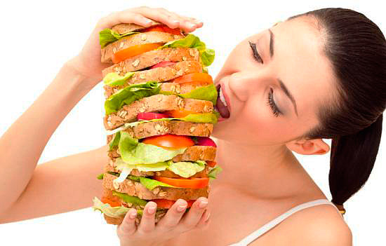 Как приучить себя много не есть?