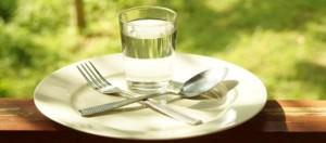 Вода на тарелке