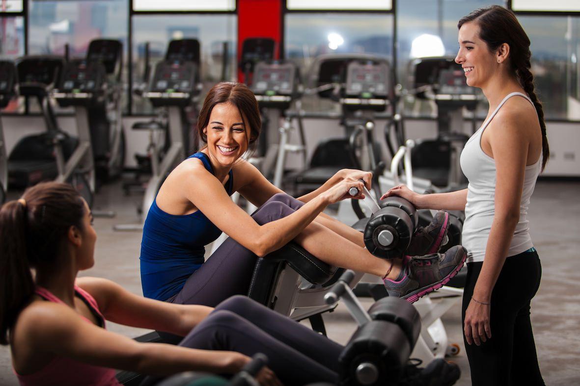 Девушки в тренажерном зале: программы для похудения и набора мышечной массы