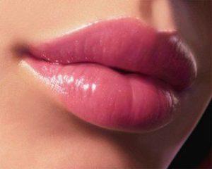Секреты объемных губ (Видео)